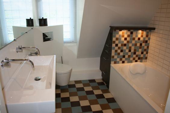 Kleine badkamer…... - Mieke van Pijpen | interieurarchitect ...